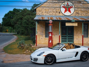 2013 981  Filling her up in the Texas hill country