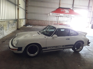 1975 911 3.2L with ITB