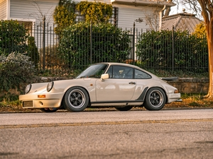 1985 3.2 with IROC bits. Photos @duwerke