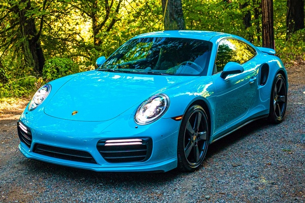 DT: 2017 Porsche 991 Turbo Coupe Miami Blue
