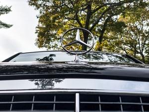 DT: 1993 Mercedes-Benz W140 400 SEL