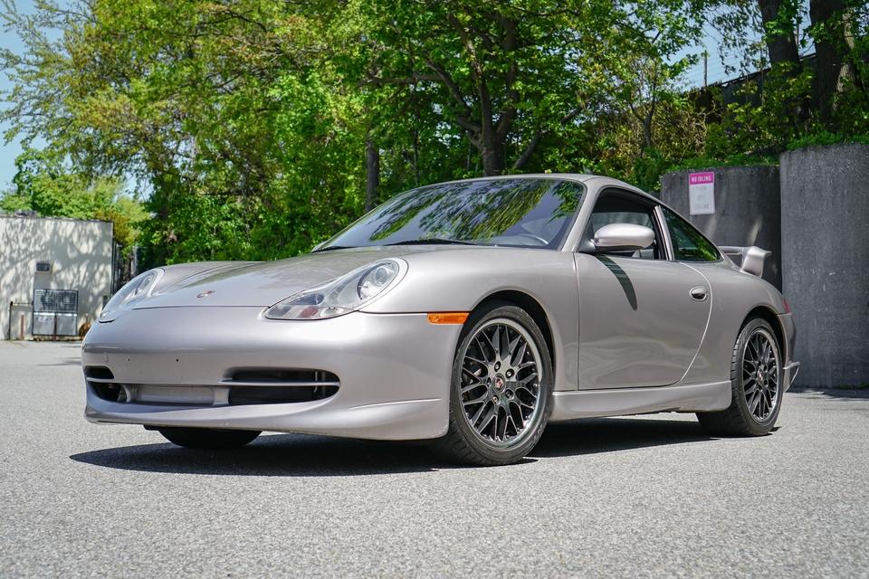 39k-Mile 2001 Porsche 996 Carrera Aerokit 6-Speed