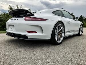 DT: 17-Mile 2016 Porsche 911R
