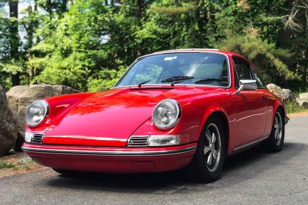 1976 Porsche 911S Backdate