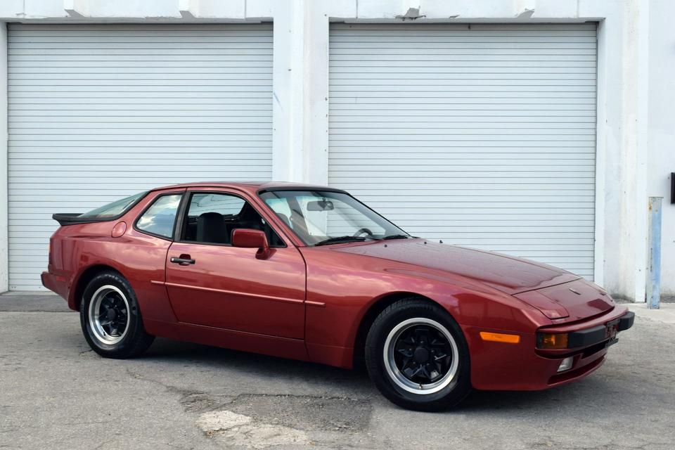 1983 Porsche 944 | PCARMARKET