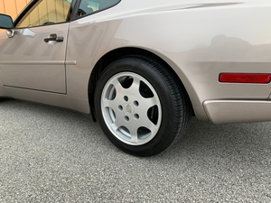 DT: Silver Rose 1988 Porsche 944 Turbo S