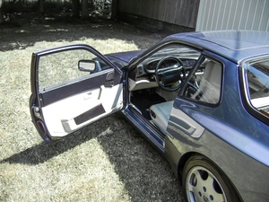 DT: 1989 Porsche 944 Turbo