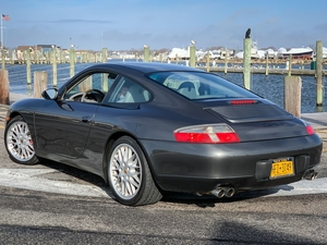 DT: 23K-Mile 2000 Porsche 996 Carrera Coupe 6-Speed