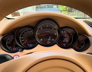 1-Owner 15K-Mile 2013 Porsche Cayenne Diesel