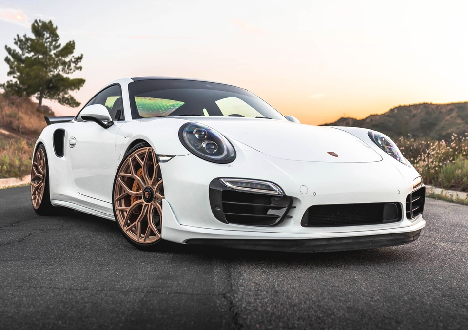 700+ HP 2015 Porsche 991 Turbo S Coupe
