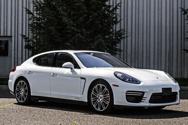 21K-Mile 2015 Porsche Panamera GTS