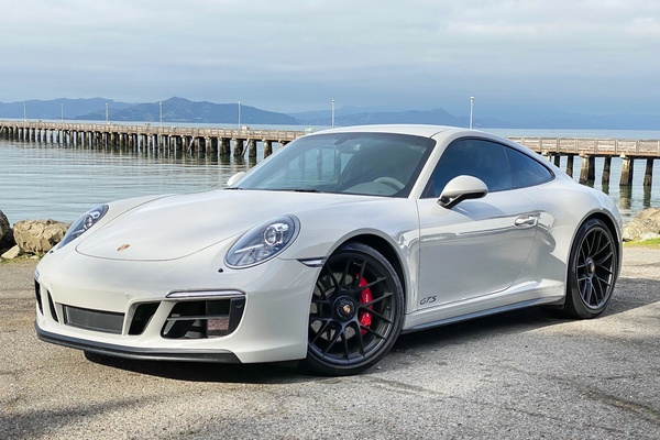 2018 Porsche 991.2 Carrera GTS 7-Speed