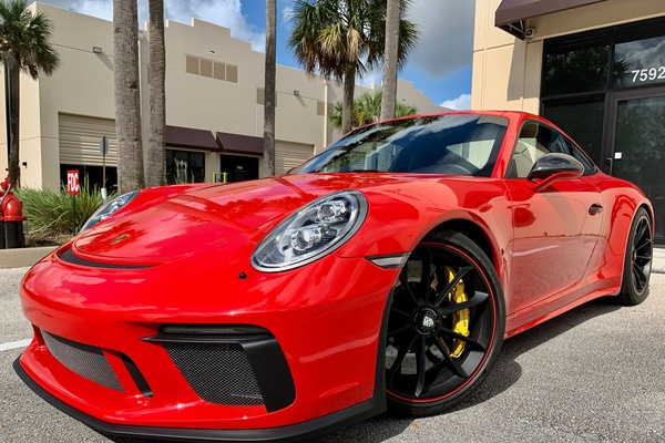 2018 Porsche 991 GT3 Touring 6-speed