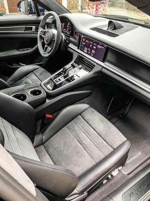 DT: 2019 Porsche Panamera GTS