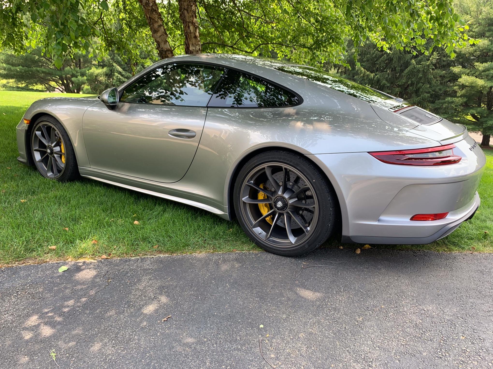 2019 Porsche 911 GT3 Touring | PCARMARKET