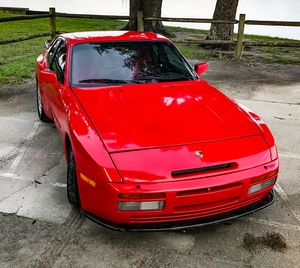 Modified 1986 Porsche 944 Turbo