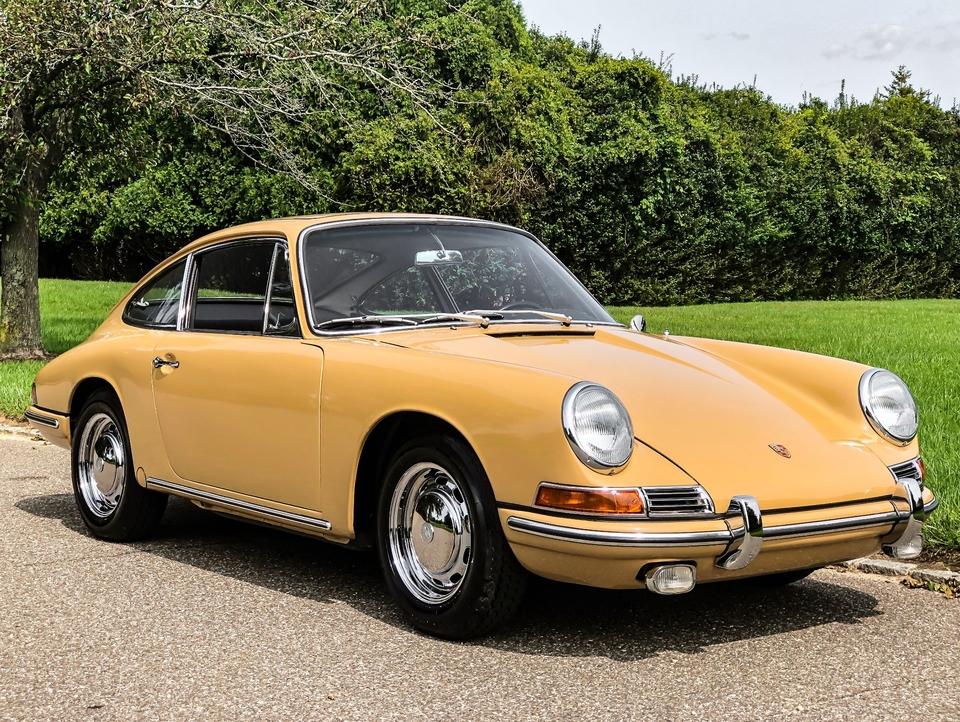 DT: 1966 Porsche 911 Sunroof Coupe