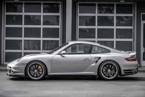 DT: 25K-Mile 2007 Porsche 997.1 Turbo 6-Speed Palm Green Full Leather Interior