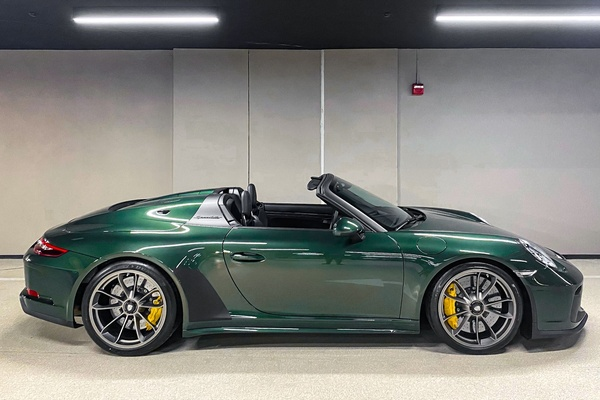 DT: 2019 Porsche 991.2 Speedster PTS Oak Green Metallic