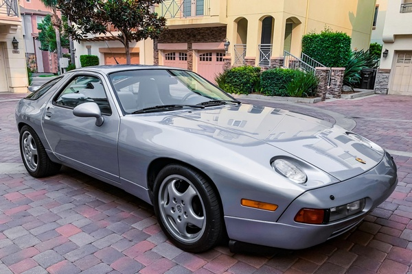 DT: 1993 Porsche 928 GTS Coupe 5-Speed