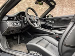 2019 Porsche 991.2 Targa 4 GTS w/ PCCB's