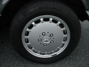 24K-Mile 1986 Mercedes-Benz 560 SEL V8
