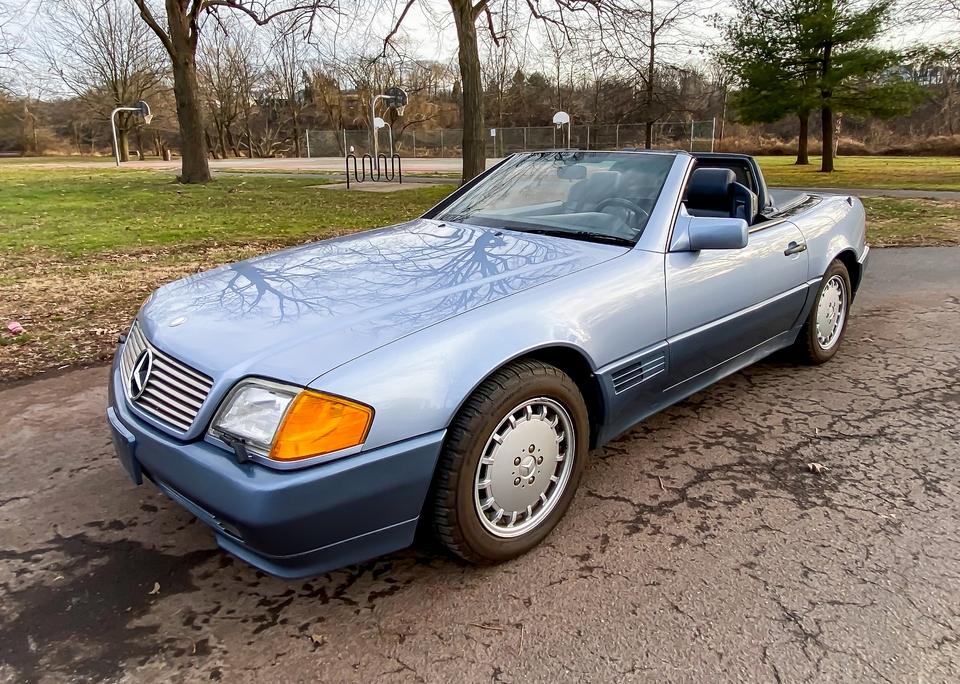 DT: 1992 Mercedes-Benz R129 300SL