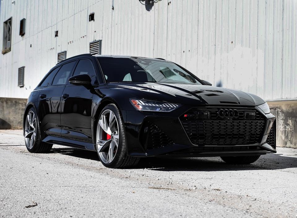 DT: 140-Mile 2021 Audi RS6 Avant