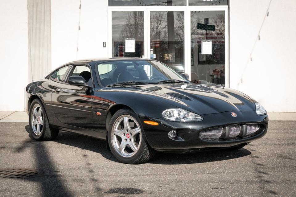 DT: 8k-Mile 2000 Jaguar XKR Coupe