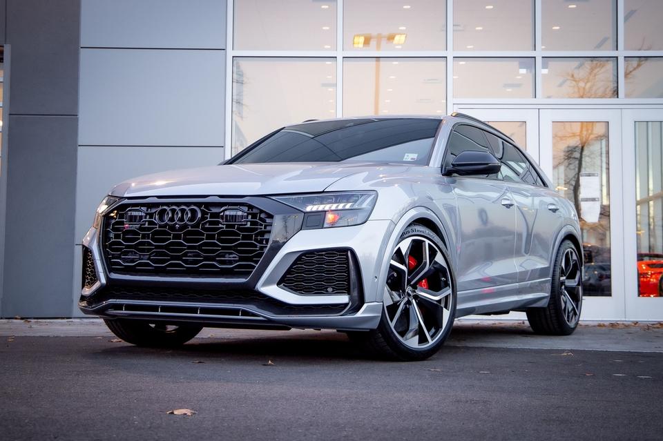 DT: 5k-Mile 2020 Audi RS Q8