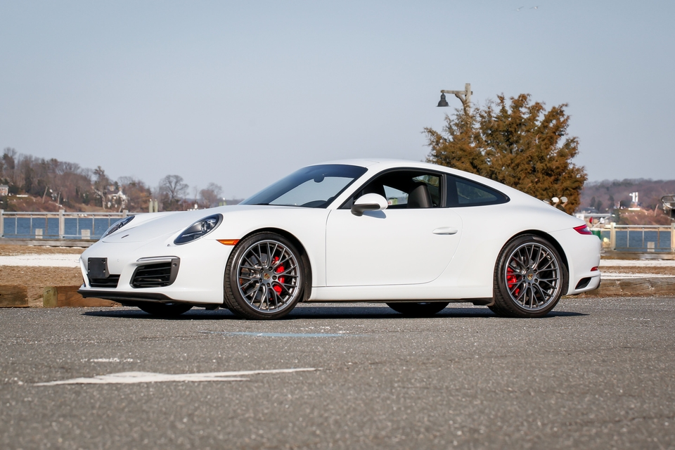 2k-Mile 2017 Porsche 991.2 Carrera S 7-Speed Manual