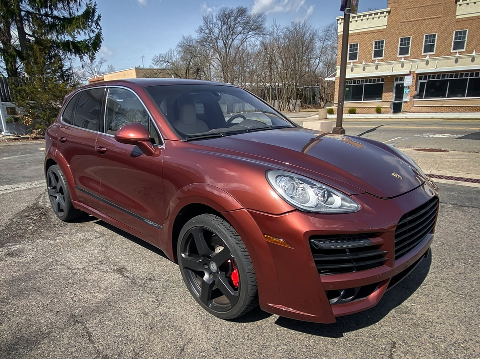 27K-Mile 2011 Porsche Cayenne Turbo w/ TechArt Kit