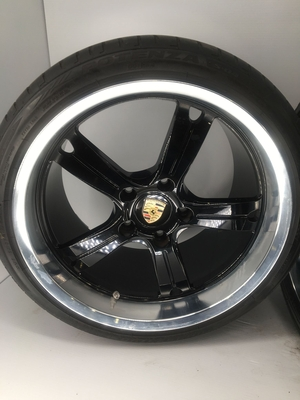 NO RESERVE - Champion Motorsport RS97 Wheels