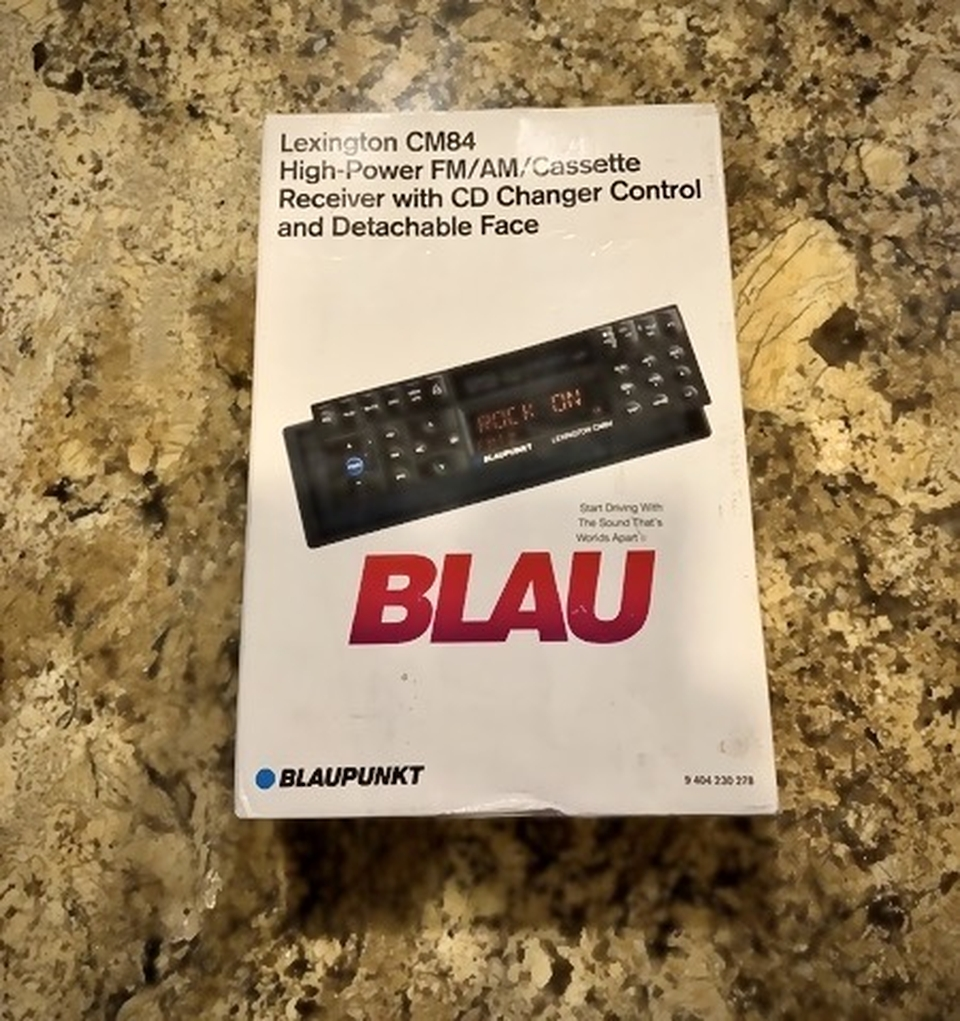 NO RESERVE - N.O.S Blaupunkt Lexington Radio with CD Changer