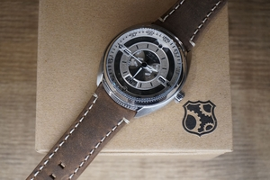 REC 901-02 Mechanical Timepiece /Great Gift