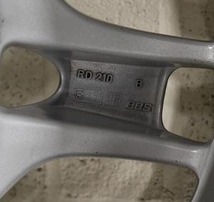 """Porsche 997 Carrera S 19-Inch """"Lobster Claw"""" Wheels"""