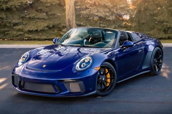 21-Mile 2019 Porsche 991.2 Speedster PTS Iris Blue