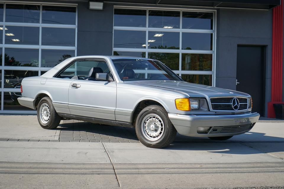 DT: 1982 Mercedes-Benz C126 380SEC