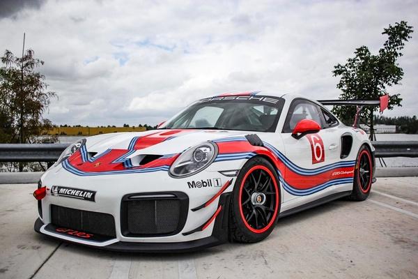 New 2019 Porsche 911 GT2 RS Clubsport